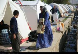 اسکان موقت مردم زلزلهزده سرپلذهاب در چادر