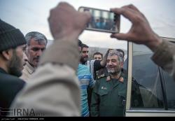 حضور سرلشگر جعفری در میان زلزله زدگان استان کرمانشاه